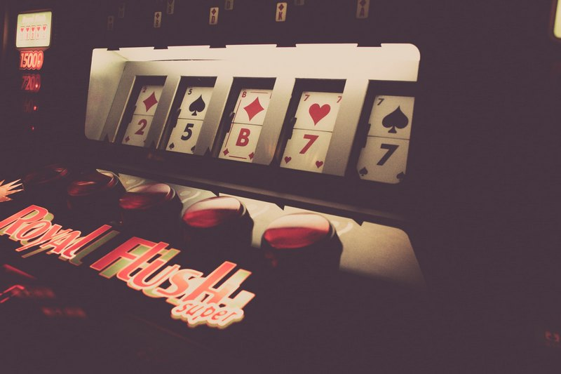 Kaipaatko vaihtelua slot-peliautomaatteihin?
